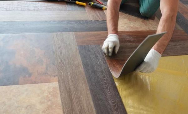 Монтаж клеевой плитки